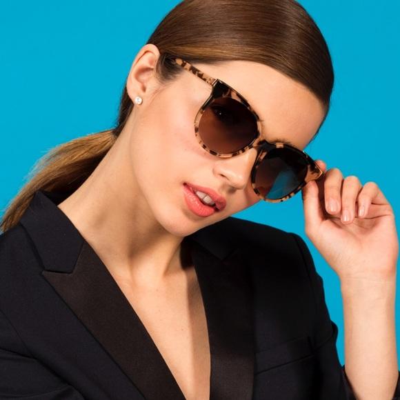 73e592092c1 NEW • Bobbi Brown • Lucy Oversized Sunglasses